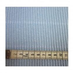 Détail tissu maille bleu discrètes rayures